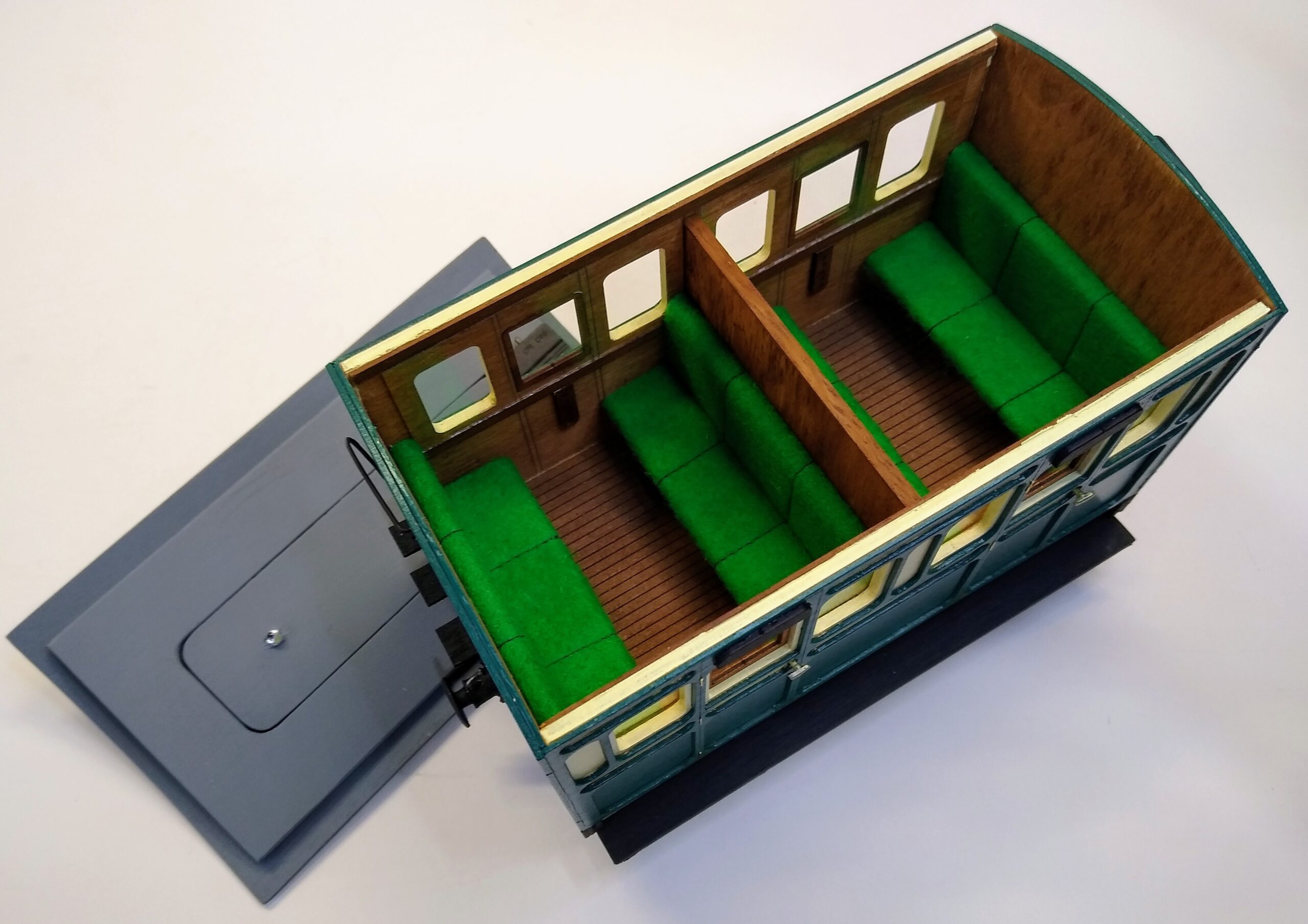 Rolling Stock Classic Freelance Green and Cream 2 compartment interior