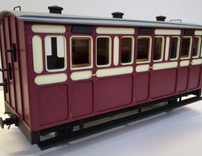 Rolling Stock Classic Freelance Blood and Custard 3 compartment